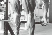 男生练力量臀后究竟有多吃香?