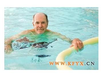 游泳,最适合老年人的运动