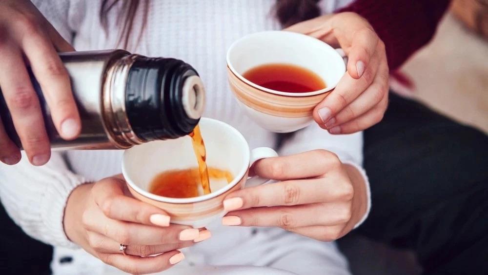 长期用保温杯泡茶致癌?传了这么多年居然是假的,只是影响茶的味道!